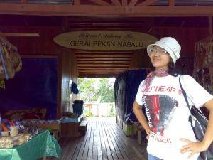 Kinabalu trip - Gerai Pekan Nabalu - Febe