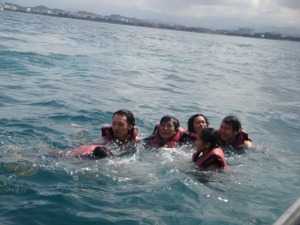 Kinabalu trip - Sapi Island - The result of Banana boat =D
