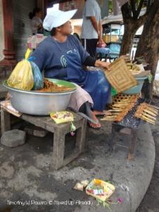 Indonesia - Bali - Nusa Dua - Satay seller