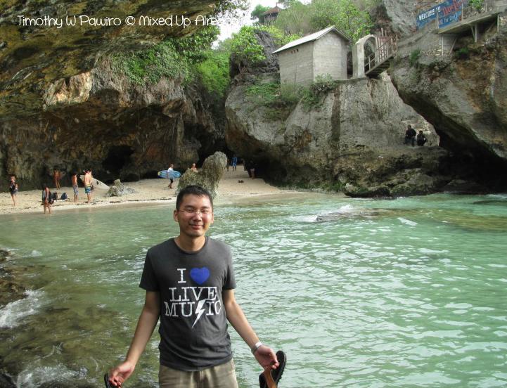 Indonesia - Bali - Suluban beach - Timothy W Pawiro