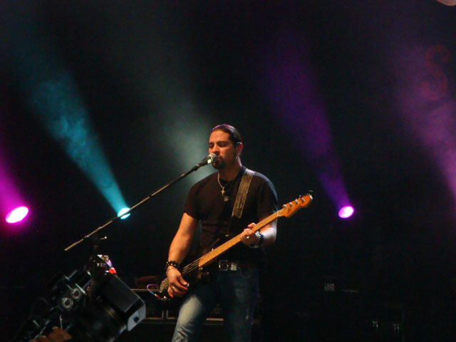Train Jakarta Concert - Hector Maldonado - Bassist