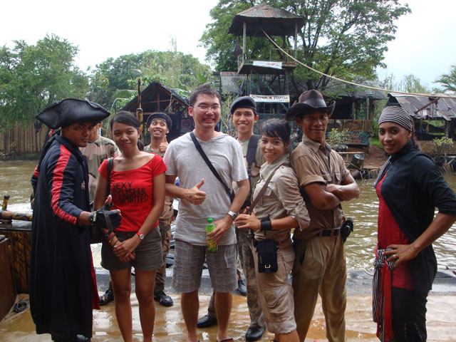 Ancol trip - The Scorpion Pirates Show - Me, Sinthya, with the casts