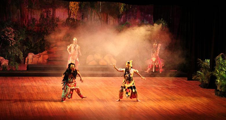 Babad Alas Wonomarto - First Act - Brotoseno VS Kencokorupo - Parupakenco - Rojomolo