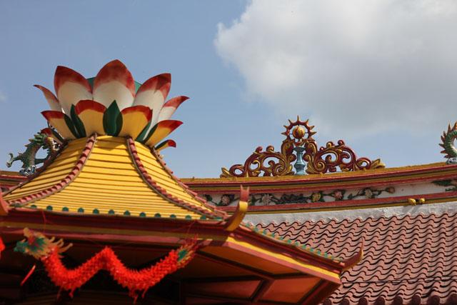 Happy Chinese New Year - Petak Sembilan - The roof of Vihara Dharma Bakti