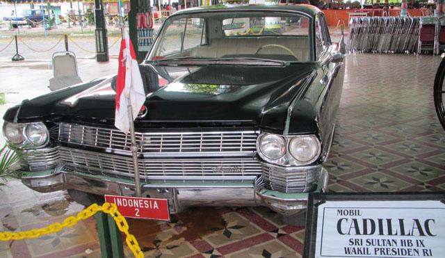 Jogja Trip - Keraton Jogja - Cadillac of Sri Sultan Hamengkubuwono IX