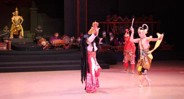 Sendratari Ramayana - Scene Eight - Laksmana VS Indrajid