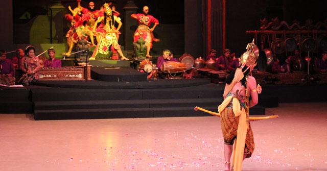 Sendratari Ramayana - Scene Eight - Rama VS Rahwana