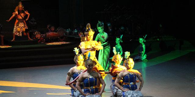 Sendratari Ramayana - Scene One - Rama wins