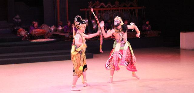 Sendratari Ramayana - Scene Three - Rama VS Marica
