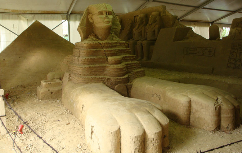 Sentul and Sand Sculpture - Egypt - Pyramid, Sphinx, and Pharaoh