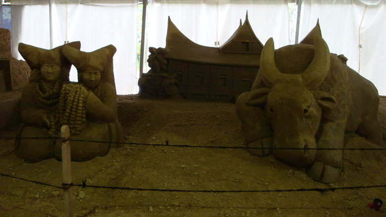 Sentul and Sand Sculpture - Minangkabau