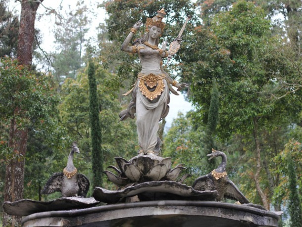 Solo trip - Saraswati Garden - goddess Saraswati