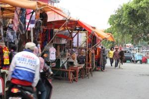 Solo trip - Telaga Sarangan - Street Vendor