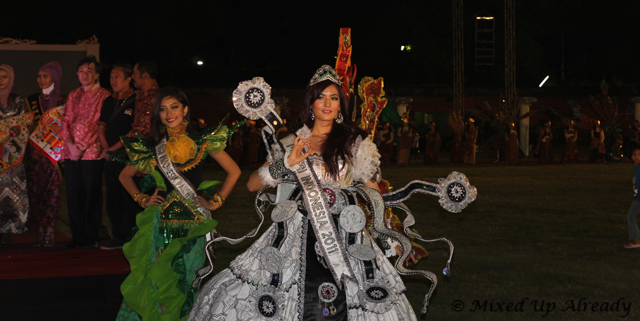 Solo trip - Solo Batik Carnival - Sriwedari Stadium - Miss Indonesia 2011