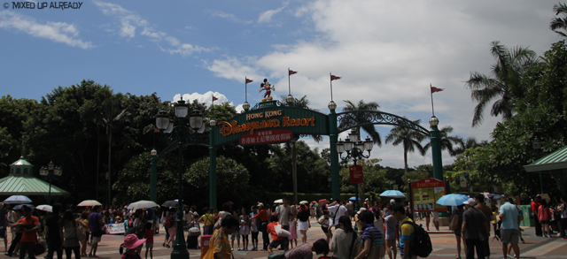 Disneyland Hong Kong - Welcome to Disneyland
