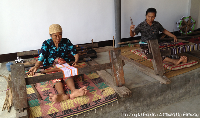 Lombok trip - Desa Sukarare - Cloth weaving (1)