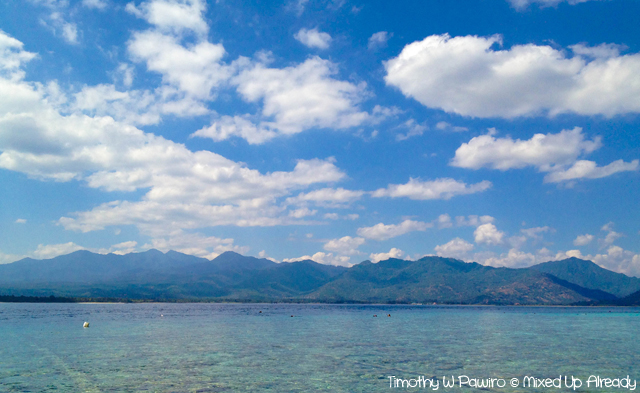 Lombok trip - Gili Air - A view of Lombok Island from Gili Air