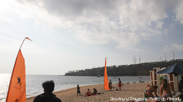 Lombok trip - Senggigi beach - People enjoying their time