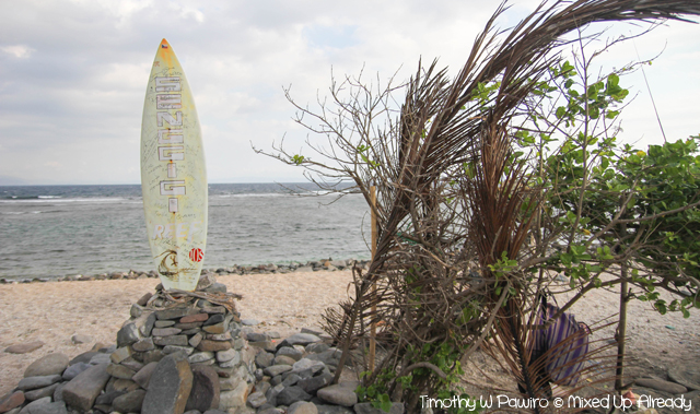 Lombok trip - Senggigi beach - Surfing monument