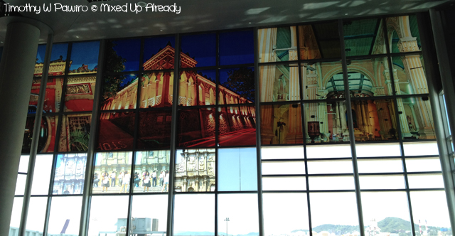 Macau trip - Macau International Airport - Glass painting in the waiting room