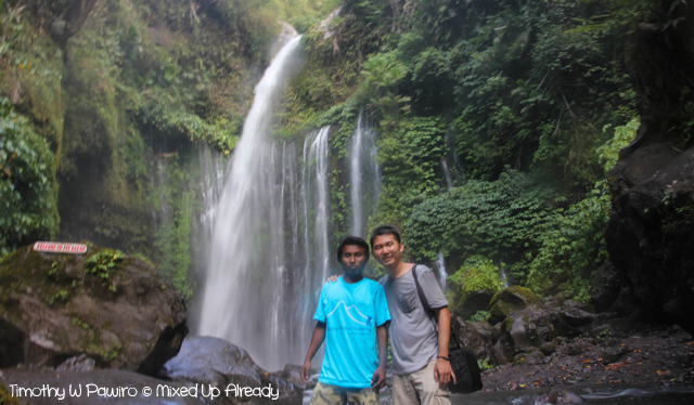 Senaru Lombok trip - Tiu Kelep waterfall - Jan the tour guide with me
