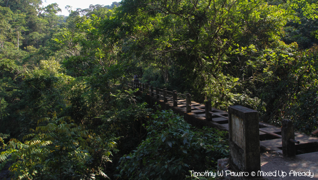 Senaru Lombok trip - Trekking to the Tiu Kelep waterfall - Crossing the bridge