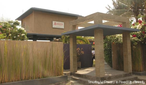 Senggigi - Eating - Cafe Alberto