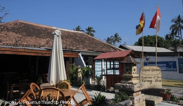 Senggigi - Eating - Grand Corner Restaurant & Bar (In the morning)