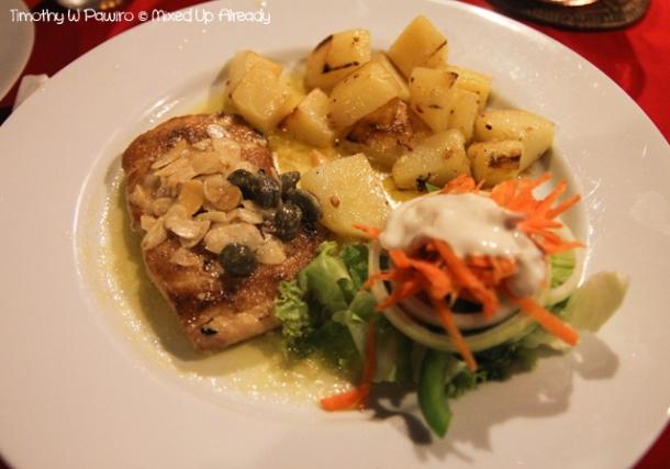 Senggigi - Eating - Grand Corner Restaurant & Bar - Jondori Fish