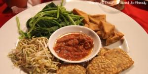 Senggigi - Eating - Grand Corner Restaurant & Bar - Pelecing Kangkung