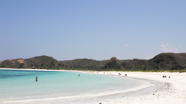 Lombok trip - South beach of Lombok - Tanjung A'an (Aan) - The beach on the right
