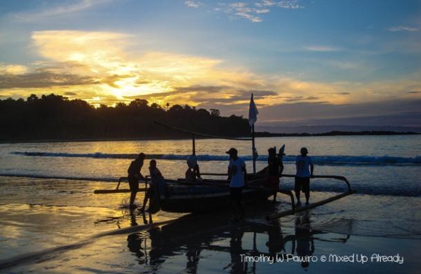 Sawarna (Indonesia) trip - Lagoon Pari - Fisherman
