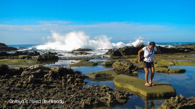 Sawarna (Indonesia) trip - The beach between Lagoon Pari and Tanjung Layar - Sinthya