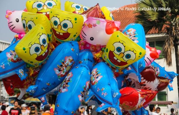 Indonesia - Jakarta - Kota Tua - Taman Fatahillah - Balloons