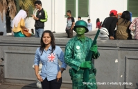 Indonesia - Jakarta - Kota Tua - Taman Fatahillah - Posing with the soldier
