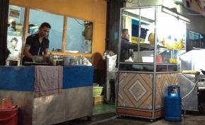 My introduction to Bukittinggi: A nasi goreng and a towerclock